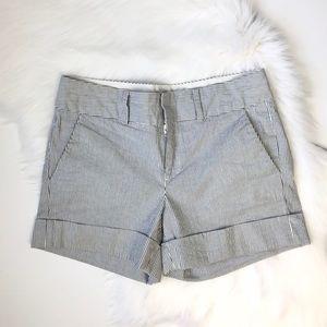 Club Monaco Striped Seersucker Cuffed Shorts Sz 4